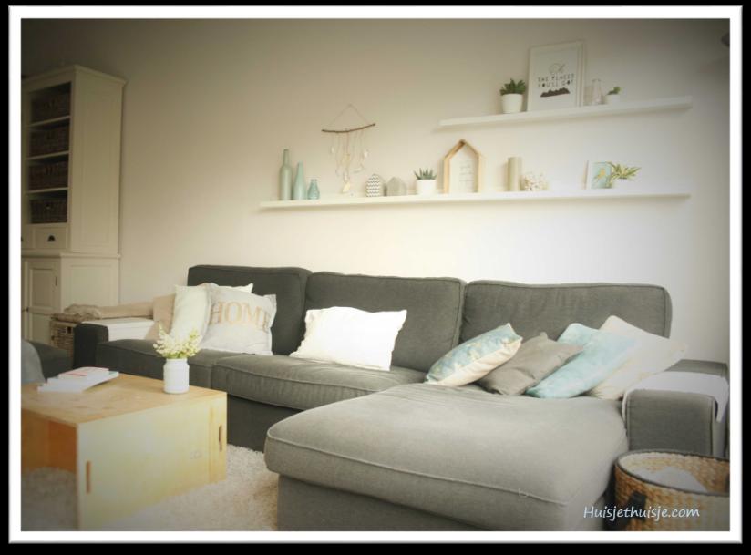 Living room - summer decor