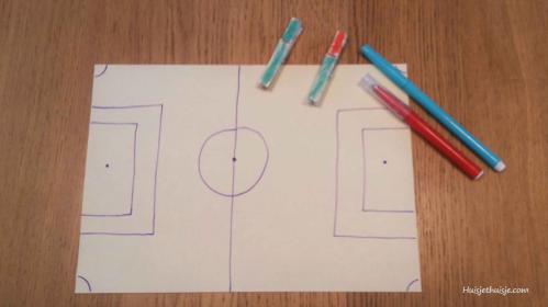 Tafelvoetbalspel - schoendoos - Shoebox Foosball Game