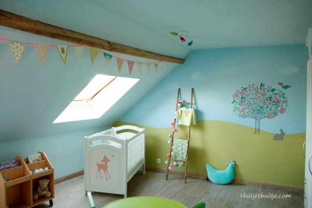 Babygirls nursery in pastels - tree wallsticker - bunting - cotton ball lights - ladder