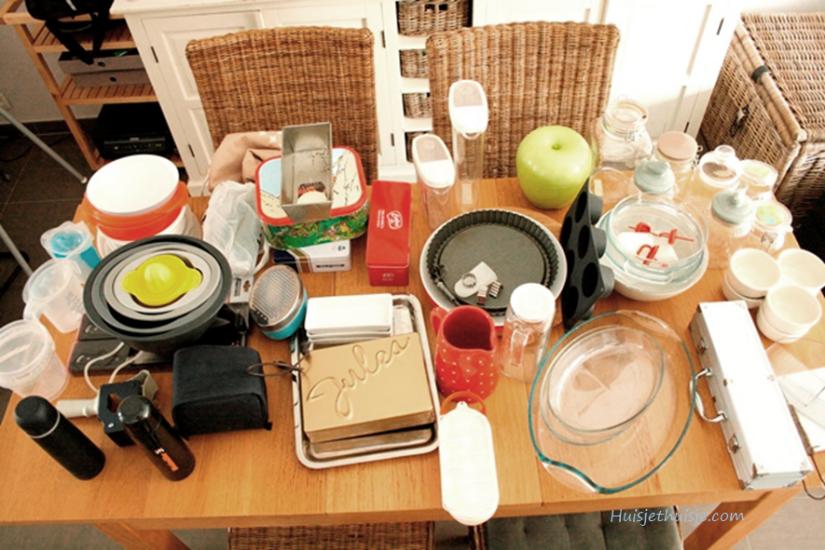 Huisjethuisje.com - KonMari - organizing - step 1 - sorting by categoy