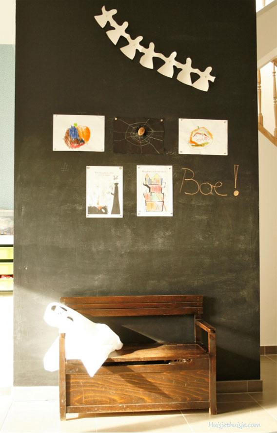 huisjethuisje-kids-art-display-magnetic-chalck-board-wall-2