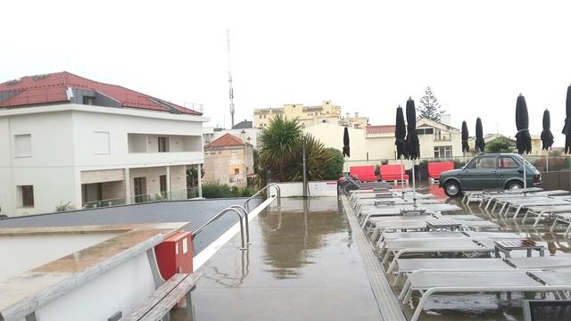 hotel-inglaterra-swimming-pool-huisjethuisje