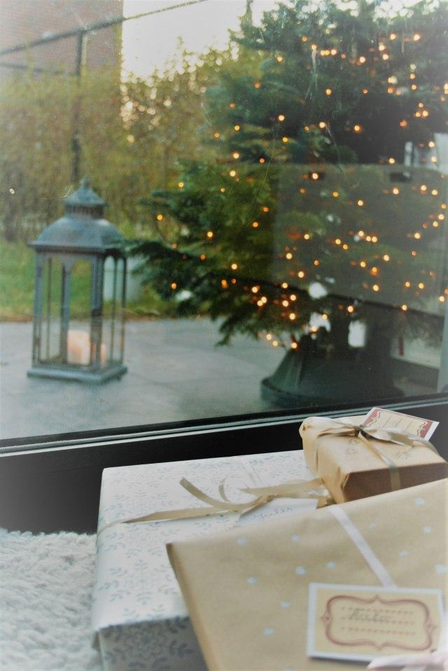 huisjethuisje-christmas-tree-gifts