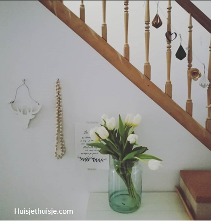 Huisjethuisje-snijbloemen-wittetulpen
