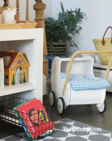 Huisjethuisje-speelgoedopbergen-mooie-poppenwagen